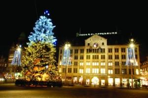 Christmas-Tree-Amsterdam-normal_jpg_803-560x372