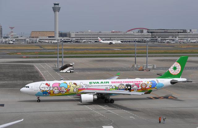 エバー航空、サンリオとコラボ